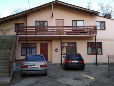 Vind casa cu 2 etaje cu sauna ! Chisinau - Centru! In rate!
