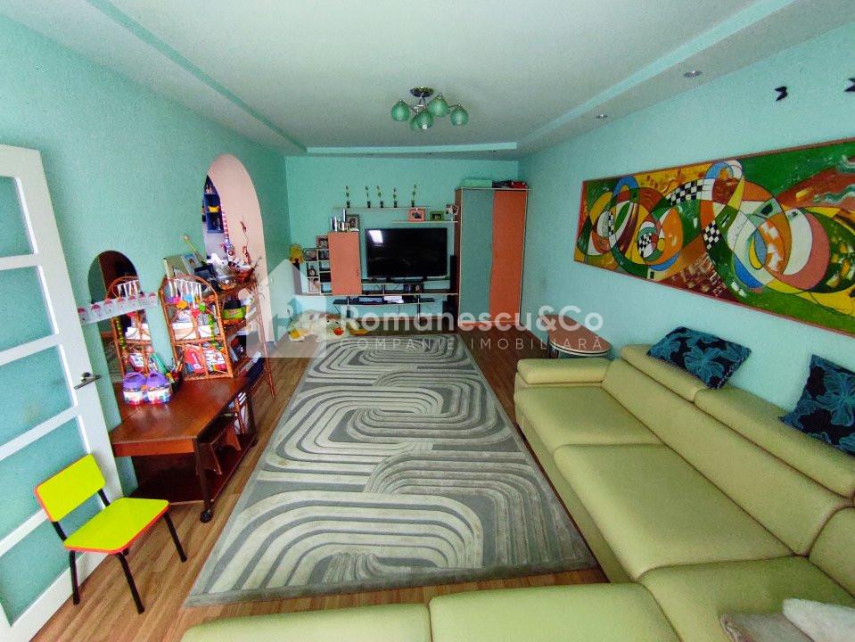 Se vinde casă cu două nivele + teren 4